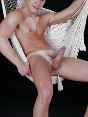 Seducing emo twink video at Staxus
