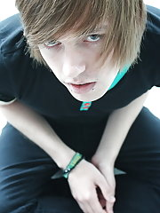 We bring you John Delicate, hes one unalloyed sexy english emo boy pics free xxx at Homo EMO!
