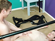 Gay fuck online chat rooms and ass porno pics gallery at Boy Crush!