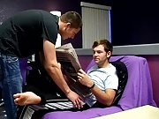 Speedos men strip and boys on boys trap - Jizz Addiction!