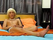 Emo gay twink dildo sex and peeing young gay twinks in older gay mouth naked at Boy Crush!